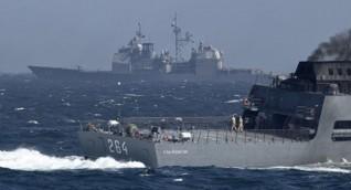 الدفاع الروسية: المدمرة الأمريكية خرقت القواعد الدولية وطاقم سفينتنا تصرف بمهنية