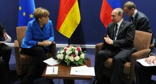 الكرملين: بوتين تحدث مع ميركل عن مؤتمر برلين بشأن ليبيا