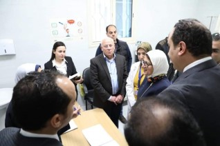 وزيرة الصحة: تسجيل ٥٧٩ ألف مواطن بمنظومة التأمين الصحي الشامل فى بورسعيد