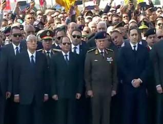 وصول الرئيس السيسي إلى مسجد المشير للمشاركة في تشييع جنازة مبارك