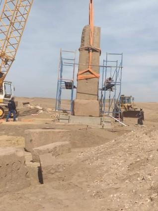 الأثار تبدأ في أعمال ترميم ورفع مسلتين للملك رمسيس الثاني في صان الحجر