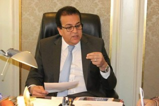 وزير التعليم العالي يتابع أداء المستشفيات الجامعية خلال ظروف الطقس السيئة الحالية