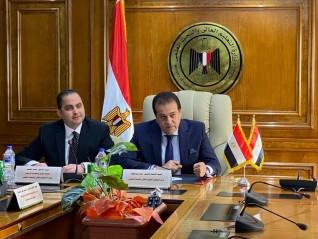وزير التعليم العالي يشيد بتطبيق خطة التعليم عن بعد