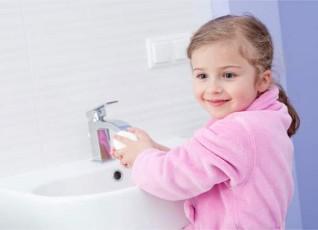 علمي طفلك النظافة الشخصية