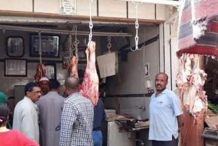 محافظ أسوان يؤكد على التزام محال السلع الغذائية بقرار حظر التجوال
