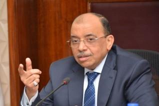 وزير التنمية المحلية يتابع منع التجمعات وإغلاق الشواطئ والحدائق والمتنزهات