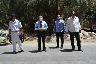 محافظ المنيا يتابع حملات إزالة التعديات بمنطقة ابوفليو