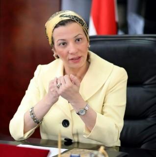 وزيرة البيئة تتابع إجراءات توفير مهمات الوقاية والرعاية الصحية للعاملين بالوزارة