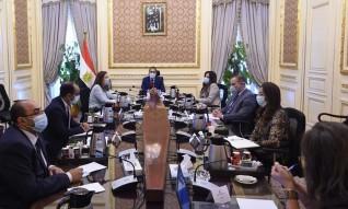رئيس الوزراء يناقش الإصلاحات الهيكلية المقترحة ذات الأولوية للاقتصاد المصري في المرحلة المقبلة