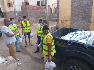 حزب مستقبل وطن بأسوان يواصل توزيع مساعدات غذائية علي الأسر الأولي بالرعاية
