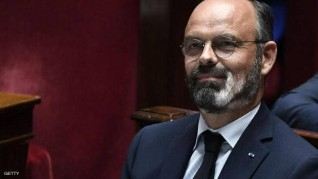 رئيس وزراء فرنسا يعلن استقالته
