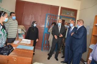 محافظ القليوبية يتفقد لجان الثانوية بمدارس قرية بتمدة التابعة لمركز ومدينة بنها