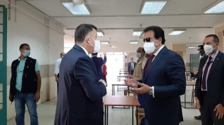 وزير التعليم العالي ورئيس جامعة عين شمس يتفقدان مبنى الامتحانات بجامعة عين شمس