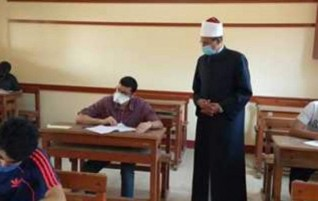 رئيس قطاع المعاهد الأزهرية: الامتحانات لم تخرج عن مستوى الطالب المتوسط
