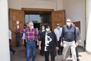 وزيرة الثقافة تتفقد عمليات الصيانة والتطوير بمتحف الفن الحديث وقاعة الباب