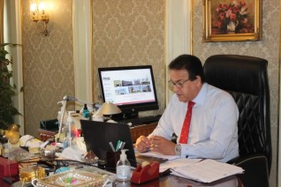 وزير التعليم العالي ورئيس المجلس الأعلى للمستشفيات الجامعية يوجه بتكريم شهداء الاطقم الطبية والإدارية
