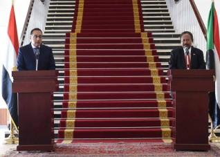 مؤتمر صحفي مشترك لرئيسى وزراء مصر والسودان بالخرطوم عقب جلسة المباحثات