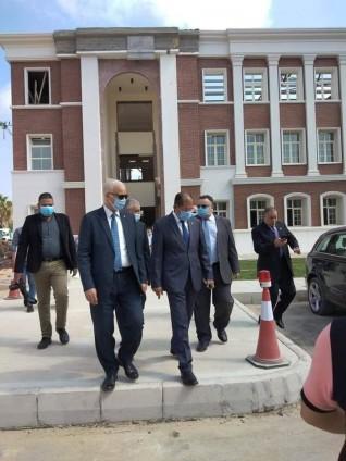 مجلس جامعة الإسكندرية يعقد أولى جلساته بالحرم الجامعي الجديد للجامعة بأبيس