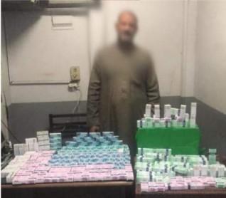 ضبط شخص بحوزته كمية كبيرة من الأقراص المخدرة بقصد الإتجار بالقاهرة
