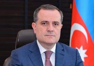 وزير خارجية أذربيجان: لا حل سلمي مع أرمينيا قبل انسحابها من الأراضي الأذربيجانية المعترف بها دولياً