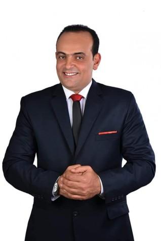 """""""سعادة الحياة"""" كتاب جديد للإعلامي محمد الصاوي"""