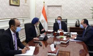 رئيس الوزراء يلتقى وزيرة البيئة لاستعراض ملفات عمل الوزارة