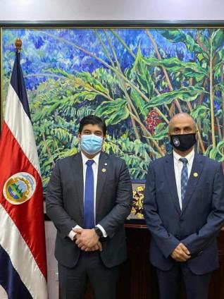 رئيس كوستاريكا يستقبل رئيس المجلس العالمي للتسامح والسلام
