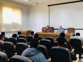 ندوة عن الإجراءات الاحترازية لمواجهة «كورونا»  بكلية العلوم جامعة السويس