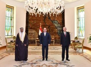 الرئيس السيسي لـ العسومي : وحدة المواقف العربية تمكننا من وضع خطوط لصون أمننا القومي