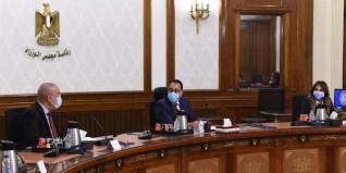 """رئيس الوزراء يستعرض خطة تنفيذ مشروعات الصرف الصحي في 51 مركزا بمبادرة """"حياة كريمة"""""""