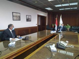 وزير الري يتابع موقف دراسات الخطة البحثية بالمركز القومى لبحوث المياه