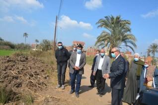 محافظ القليوبية يشهد استلام قطعة أرض لإقامة محطة معالجة صرف صحي ببرشوم الكبري