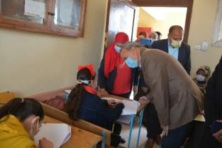 محافظ القليوبية يتفقد لجان امتحانات طلاب مدرسة النور للمكفوفين