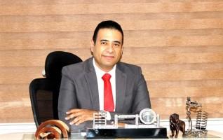 محمد عماد يوضح درجات التثدي المختلفة لدي الرجال