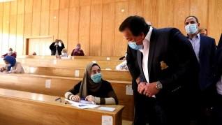 وزير التعليم العالي يتفقد لجان الامتحانات بكلية التربية بجامعة المنوفية
