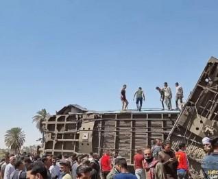 الصحة: وفاة ٣٢ مواطناً وإصابة ٦٦ آخرين في حادث قطاري سوهاج