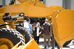 معدات جديدة لدعم منظومة النظافة وتحسين الخدمات للمواطنين بقنا