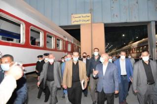 وزير النقل يتابع أعمال  تجديد  وتطوير عدد925 عربة بورش كوم ابوراضي