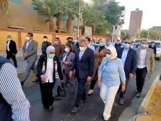وزيرة الصحه تصل مستشفي الحميات بسوهاج