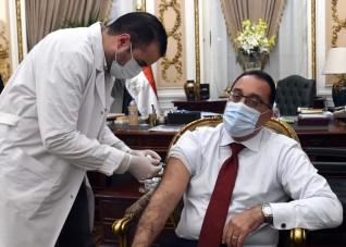 رئيس الوزراء يتلقى اللقاح المضاد لفيروس كورونا