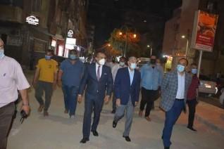 محافظ المنيا يقود حملة لمتابعة الالتزام بمواعيد الغلق الجديدة ليلاً