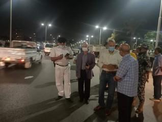 محافظ القليوبية يقوم بجولة ليلية بحي شرق شبرا الخيمة لمتابعة تطبيق الاجراءات الاحترازية