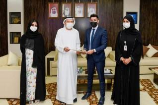الرئيس الأعلى لجامعة الإمارات يستقبل الطلبة الفائزين بجوائز  التميّز 2020-2021