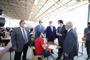 وزير التعليم العالي يتفقد لجان الإمتحانات بجامعة عين شمس