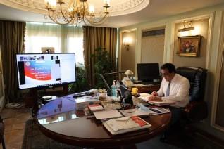 وزير التعليم العالي يستعرض تقريرًا حول اجتماع المجلس الأعلى لشئون خدمة المجتمع وتنمية البيئة