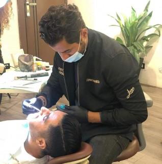 أيمن عثمان: الفينير أسهل الطرق للحصول على إبتسامة جميلة