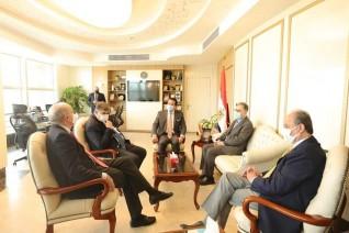 وزير التعليم العالي يعقد اجتماعًا مع الرئيس الجديد للجامعة الأمريكية