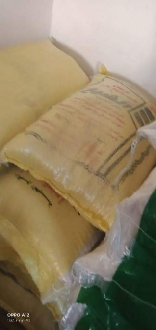ضبط مصنع لتعبئة و تغليف المواد الغذائية بدون ترخيص بالعجمي