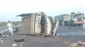 مصرع شخصين وإصابة 8 آخرين في حادث تصادم سيارتين بالعياط