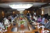 وزير التعليم العالي يلتقي الوفد الإفريقي المشارك في برنامج الوكالة المصرية